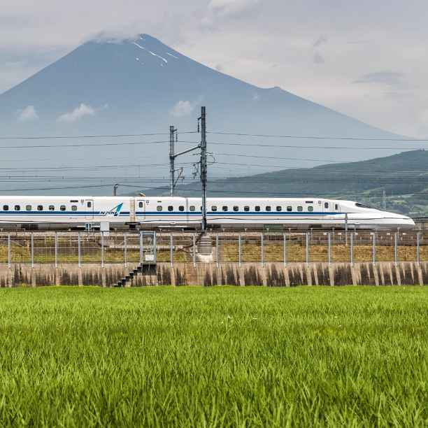 Central Japan Railway: Clean alternative for air and road travel